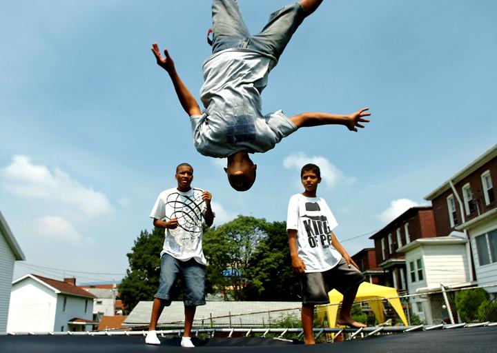 guy jump 14 01