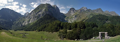 PLAN DERA ARTIGA (joguero) Tags: landscape paisaje paisagem landschaft paesaggi paysages  pirineos lleida valledearan valdaran lerida  artigadelin