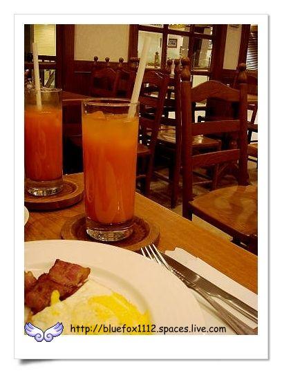 090824Aunt Stella's詩特莉08_綜合蔬果汁