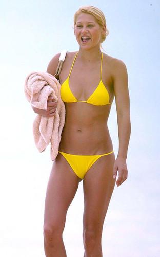 Kournikova+tiny+yellow+bikini+yGPh80Nqvvgl by 100 best bikini girls