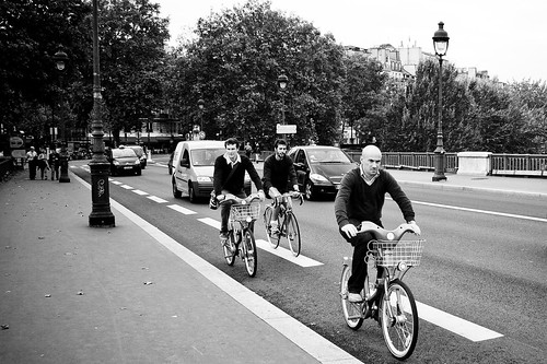 Paris Cycle Chic -  Dapper Bridge