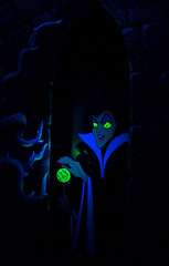 Maleficent (hojoanaheim) Tags: castle halloween disneyland sleepingbeauty halloweentime disneylandparks