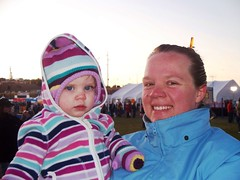 Mom and Daughter ready for the hunt! (Ludeman99) Tags: sarah eowynlouisebitner balloonfiesta2009