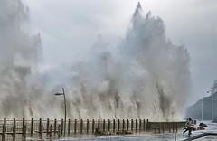 Gran ola/ The big wave (zubillaga61) Tags: sea mar wave sansebastian ola donostia paseonuevo
