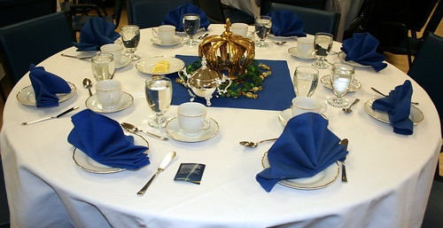 Guests received the royal treatment, with golden crowns for centrepieces and silver tea services.