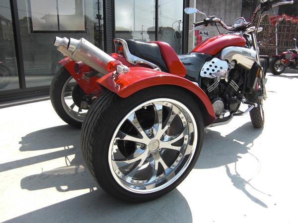 Вот, например, японские (и не только) трехколесные мотоциклы,продающиеся на японском...