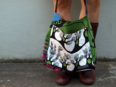 P8191698 (joontoons) Tags: ikea bag handmade oneofakind sewing fabric etsy tote shoppingbag carryall ikeafabric markettote retroprint joontoons
