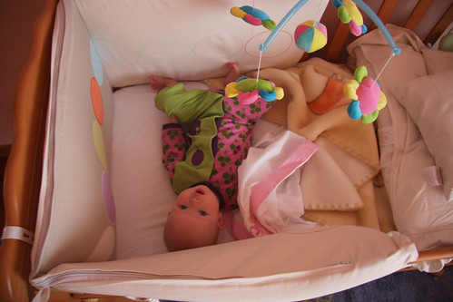 Sleeping In Your Crib - You're Doing It Wrong!!