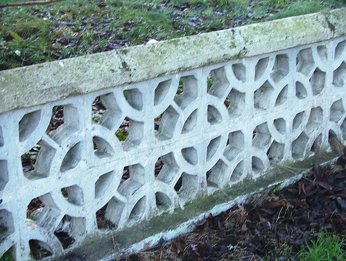 Dundalk  Newry Road  Perforated Concrete Block Garden Wall  2008 December  123
