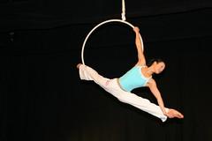 Elizabeth_Gaumond_7760 (Zaldun Urdina) Tags: circo circus aerial flex cirque contortion aro contorsion frontbend elizabethgaumond bihurrikaria