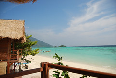 Castaway resort Koh Lipe (Castaway Resorts) Tags: park wood beach thailand castaway island design resort national ko tropical koh resorts lipe sunrize tarutao satun kohlipe thailandisland beachbungalows acomodation tomhoops castawayresort castawayresortkohlipe pierredrake kohlipecastawayresort pierredrakedesigner