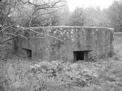 Pillbox, RAF Hornchurch ( Claire ) Tags: river ww2 spitfire ww1 turret raf airfield pillbox aerodrome hornchurch battleofbritain epen ingrebourne tett rafhornchurch type22pillbox suttonsfarm