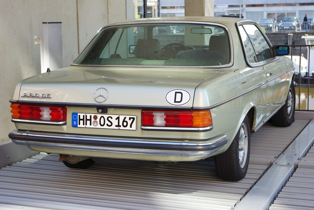 The world 39 s best photos of hamburg and w123 flickr hive mind for Benz hamburg