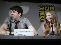 Kick-Ass actors Christopher Mintz-Plasse (Red Mist) and Chloe Moretz (Hit Girl) (Pop Culture Geek) Tags: movie comic panel sandiego convention comiccon 2009 kickass redmist hitgirl hallh christophermintzplasse chloemoretz