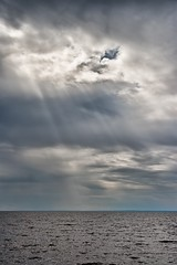 Light from above (Michel Filion) Tags: light sky canada water clouds canon raw lacstjean tamronspaf1750mmf28xrdiiildasphericalif rebelxti dolbeaumistassini