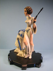 Gentle Giant Princess Leia maquette (FranMoff) Tags: statue giant robot starwars princess collection r2d2 droid leia gentle maquette oc703