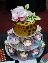 Leo Cupcake (Bettys Sugar Dreams) Tags: tower rose glitter germany print skull muffins leo hamburg butterflies cupcake bow bettyssugardreams bettinaschliephakeburchardt