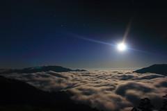 Moon Light (HW.Wang) Tags: sky moon mountain cold nature night clouds canon stars landscape taiwan moonlight   cloudsea blueribbonwinner  mthehuan platinumheartaward  platinumpeaceaward vividstriking