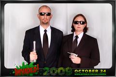 Ren Marci (avitable) Tags: costumes party halloween alien invasion meninblack invaded avitaween avitaween2009 renagerie