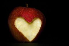 (Zaina Al-Sanea) Tags: red love apple kuwait zaina alsanea zal9an3