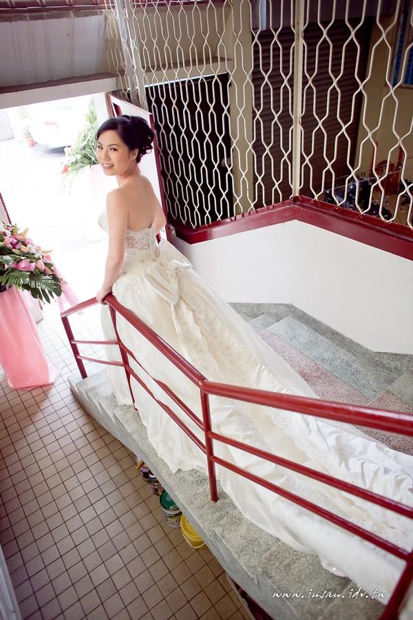 wed110326_0129