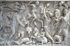 MUSEO PO CLEMENTINO (Carlos Octavio Uranga) Tags: sculpture vatican rome roma escultura classical museivaticani nuovo griego clasica vaticanmuseums museosvaticanos chiaramonti museumsbracio