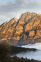 Punta Lierga (elosoenpersona) Tags: sunset espaa mountain snow misty clouds atardecer spain huesca nieve nubes punta summit montaa niebla pyrenees cima pirineos sobrarbe aragn puertolas overtheexcellence elosoenpersona goldstaraward purtolas lierga llerga