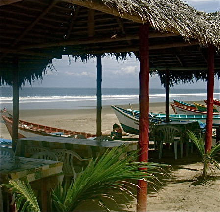 ecuador-beach-restuarants