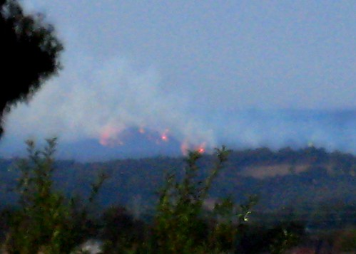 fires  burning towards kinglake