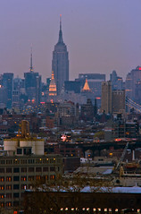 Hazy, Lazy, Little Lighty (TomBrooklyn) Tags: newyorkcity newyork night twilight empirestatebuilding tokina80200f28 midtownmanhatten tombrooklyn