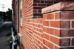 Pink Floyd- the wall (Griffin_Beste) Tags: brick wall nikon perspective griffin beste 18105mm griffinbeste