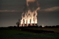 Ferrybridge Power Station (Chris McLoughlin) Tags: uk england day wildlife sony yorkshire tamron powerstation westyorkshire pontefract a300 ferrybridge 70mm300mm sonya300 tamron70mm300mm sonyalpha300 alpha300 chrismcloughlin