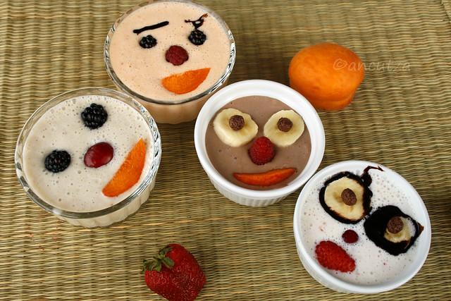 simpatici frappè allo yogurt e frutta