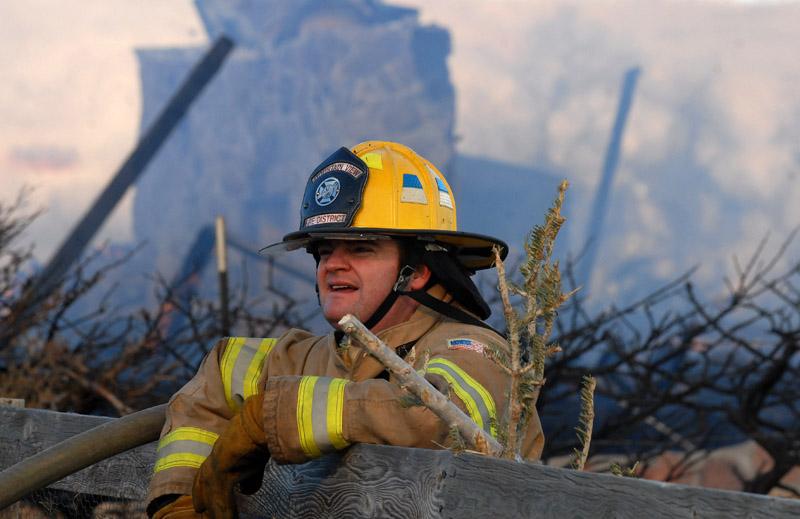 20090106_WILDFIRE_FIREMAN