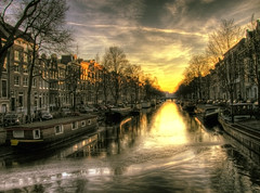 Freezing canal sunset (Marco.nl) Tags: sunset ice amsterdam frozen tramonto hdr keizersgracht photomatrix 5xp pscs4 hdrworldamsterdam hdrworldnetherlands