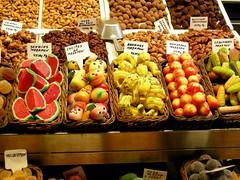 Sweet Fruits (Yellow.Cat) Tags: barcelona sweet chocolate dolce marzipan boqueria barcellona dolci laboqueria cioccolata marzapane