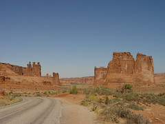 Arches NP - Courthouse Towers Looking back (Pat's Pics36) Tags: utah nationalpark archesnationalpark rockformations sonydscf707 theorgan sheeprock towerofbabel threegossips