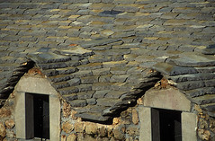 F48_MEJ.072 (photonogrady) Tags: house heritage stone architecture pierre farm limestone housing slate tradition habitat maison ferme patrimoine calcaire lauze