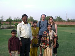 Wir mit indischer Familie