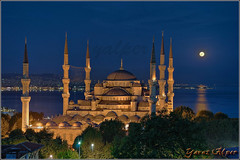 Hayrl Ramazanlar (Yavuz Alper) Tags: moon night reflections turkey nikon trkiye istanbul fullmoon trkei moonlight bluehour dslr bluemosque m
