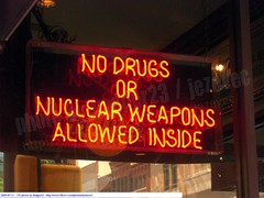 Funny Sign - No Drugs or Nuclear Weapons allowed 2009-07-21  135 Indianapolis Indiana (Badger 23) Tags: sign rock cafe funny neon no indianapolis hard nuclear indiana drugs lustig sein 2009 engraado weapons signe divertente nukes zeichen drle grappig signo znak jezevec neonlamp  enklas  tegn       merkki mrk        badger23  20090721 fnycs neonrr