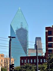 Fountain Place skyscraper, Dallas (CameliaTWU) Tags: skyscraper dallas skyscrapers unique architects glittering glassprism 60story fountainplace renaissancetower jpmorganchasetower henryncobb impeipartners