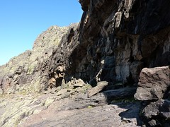 La vire de Scaffone et ses roches striées à son extrémité Campu Razzinu