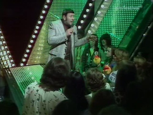 Top of the Pops (20th March 1975) [TVRip (XviD)] preview 11