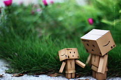 ?!! (sⓘndy°) Tags: sanfrancisco toy toys box figure figurine sindy kaiyodo yotsuba danbo revoltech danboard 紙箱人 阿楞 amazoncomjp