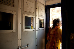 Train, India (Daydreamer HQ) Tags: woman india travelling train women bangalore reis indoor smoking publictransport saree sari vrouw trein azie reizen openbaarvervoer backpacken theindiatree solarpur