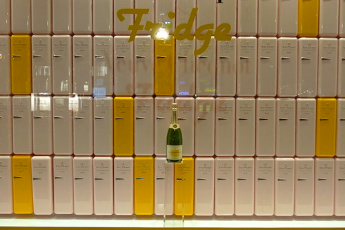 Vitrine Veuve Clicquot Fridge - Lavinia - Paris, mai 2011
