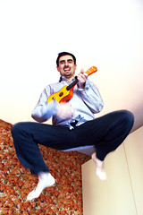 Il ritmo della vita (Gilmoth) Tags: jump ukulele flight uta