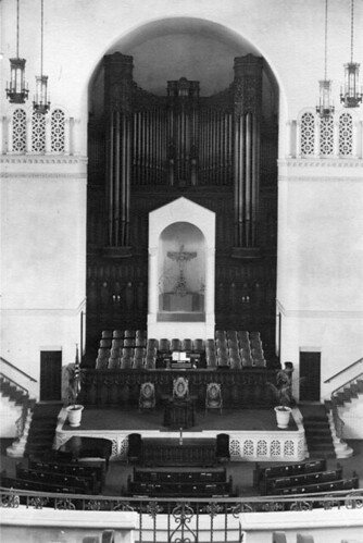 Wilshire Christian Church Building, Interior