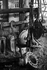 Carpintera de ribeira - A de Purro  Traditional shipyard I (_madmarx_) Tags: wood bw canon madera iron bn arena galicia museo bp madeira pontevedra retocada bueu morrazo poleas traditionalboats platinumheartaward madmarx adepurro osgalos carpinteriaderibeira traditionalshipyard